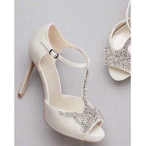 David's Bridal Rhinestone Crystal Satin Heels 7.5